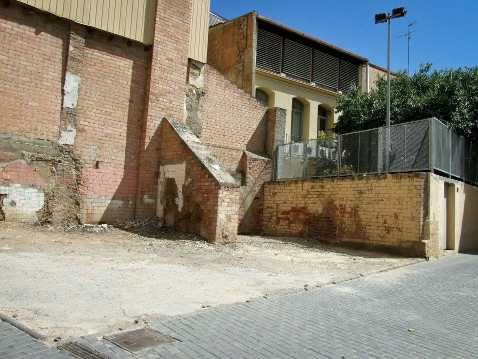 Solar en la calle Boters, posible ampliación del patio de la guardería municipal. Cecília López.