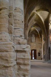 Detalle de un pilar dentro de la iglesia