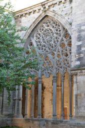 Tracería en el claustro gótico de la Seu Vella
