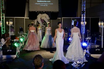 Desfile de moda nupcial en el 15º Salón De Nuvis de Lleida Cecília López