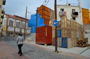 Contenedores y estructuras de madera servirán de tiendas en los solares del Mercat del Pla Cecília López
