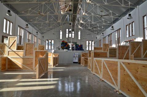 Los trabajos en el interior del Mercat del Pla, a pocos días de su inauguración Cecília López