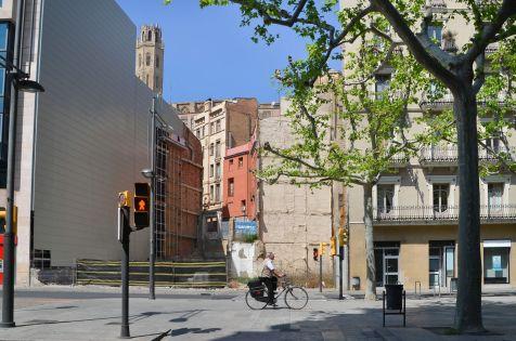 Uno de los solares de la Rambla Ferran de Lleida. Cecília López