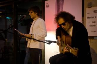 Inauguración del ciclo de poesía organizado por Amat Baró 'A cau d'orella' que se celebrará cada quince días hasta mediados de verano Cecília López