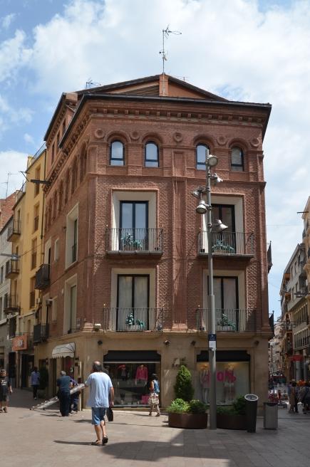 Casa Sauces, entre las calles del Carme y Magdalena de Lleida. Cecília López