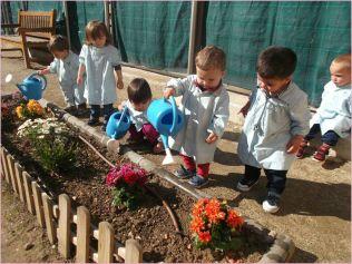 Los alumnos de las EBM de Lleida cuidan los huertos y los jardines de las escuelas Ajuntament de Lleida