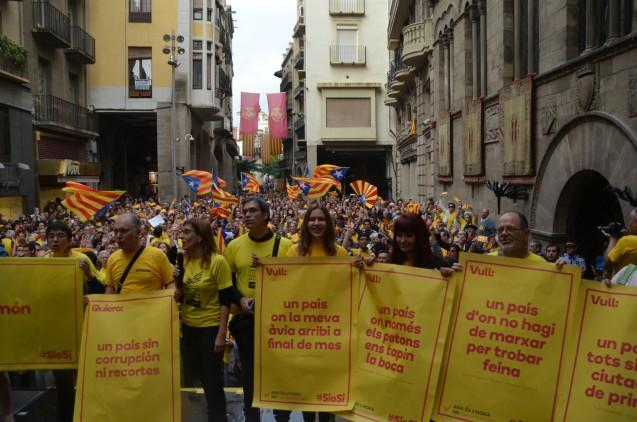 Concentración en la plaza Paeria de Lleida a favor del 9N. Cecília López